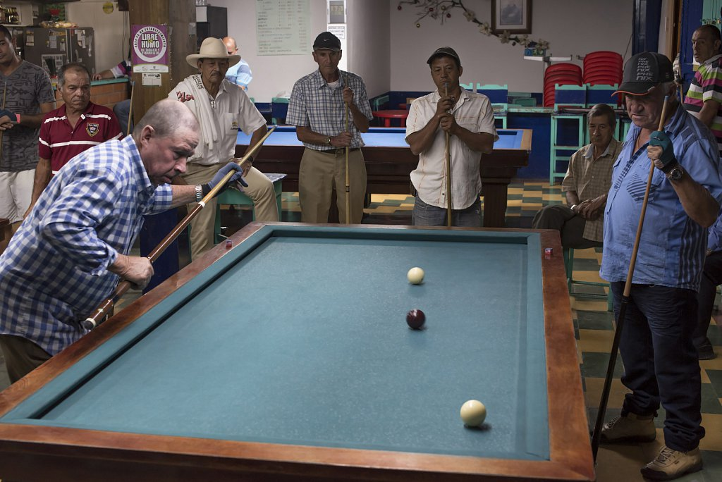 Playing Billard in Jardín