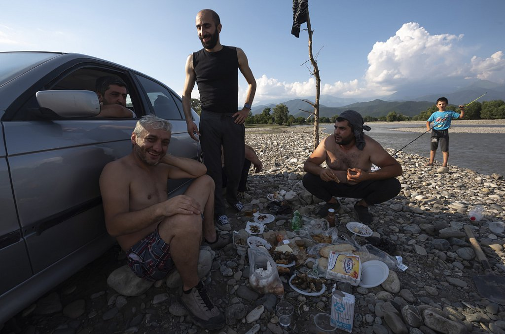 Parna, Sura, Ilya with friends, chilling near Alazani river