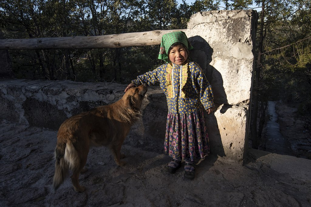 Little girl in Areponapuchi, Chihuahua