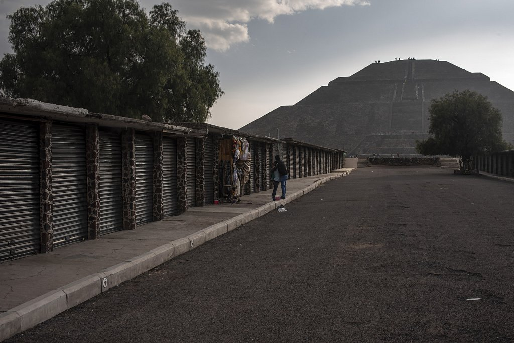 Opening shop at Teotihuacan