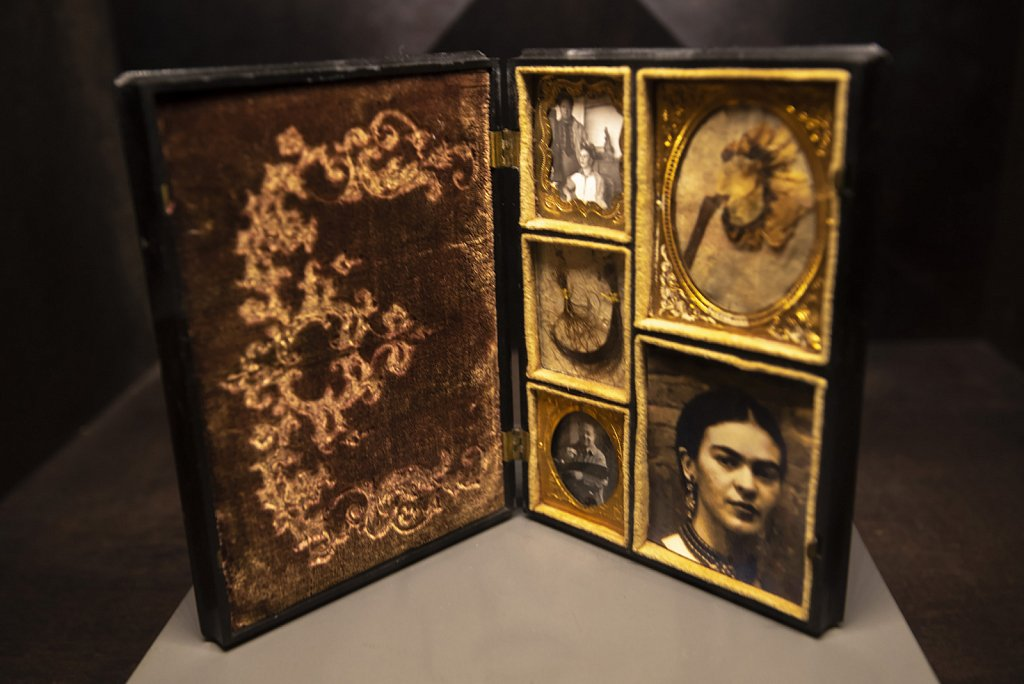 Exhibition in Frida Kahlo's house